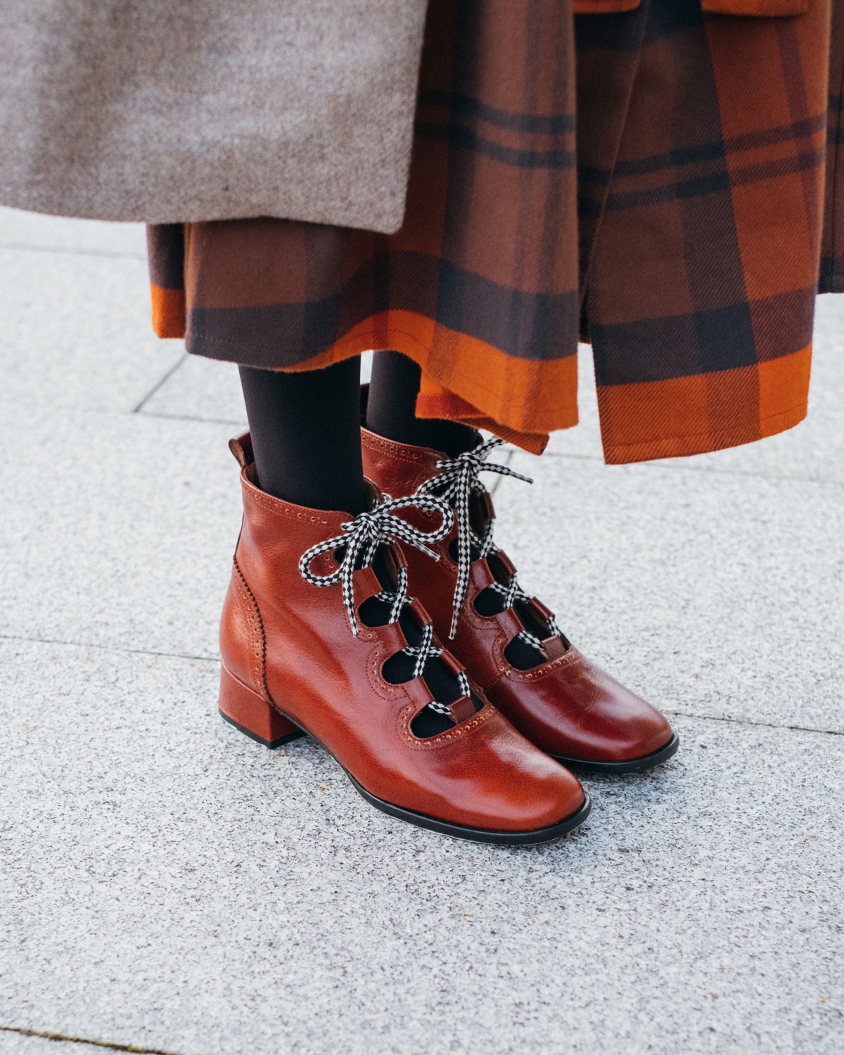 ELUR#THESE BOOTS ARE MADE FOR WALKING